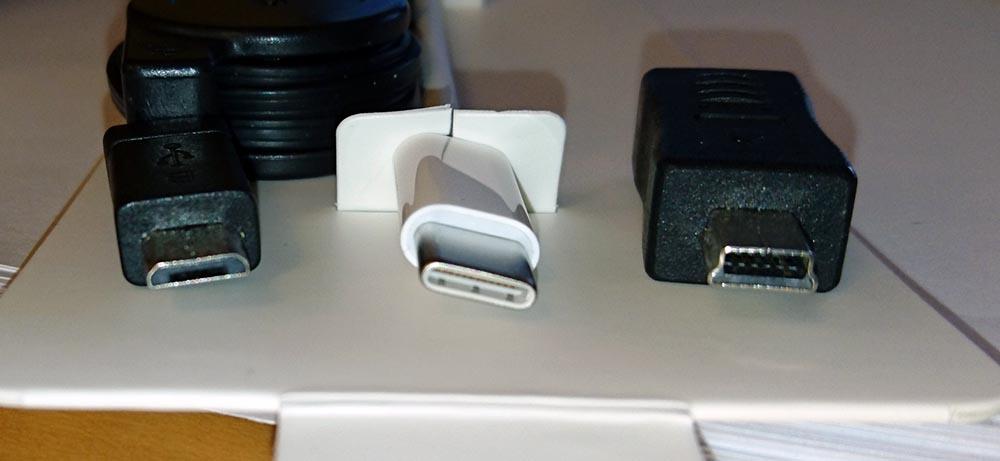 USB-マイクロ、USB-C、USB-ミニ